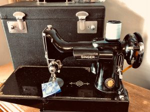 featherweight sewing machine